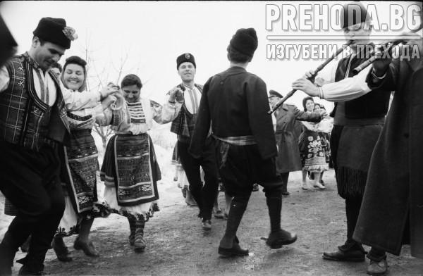 с.ПЕТРИНИЦА,ПЛЕВЕНСКО-ПРАЗНИК НА ЛОЗАРЯ-ТОДОР ЖИВКОВ