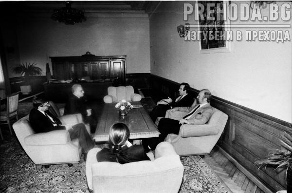 Премиера Беров се среща с лидерите на синдикатите