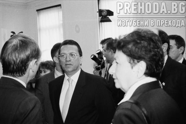 ПРЕЗИДЕНТЪТ П. СТОЯНОВ СЕ СРЕЩА С МЕСУД ЕЛМАЗ