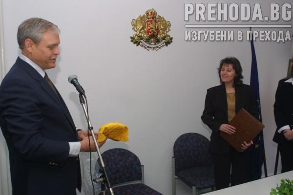 Министърът  на околната среда дава лиценз на САЩ - фирма за търсене на нефт