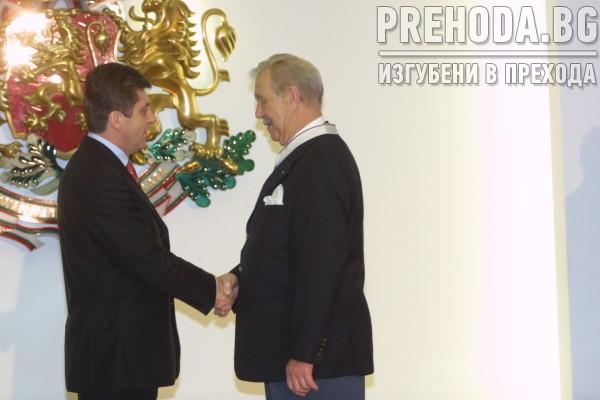 Президенът Георги Първано връчва награди на изявени интелектуалци